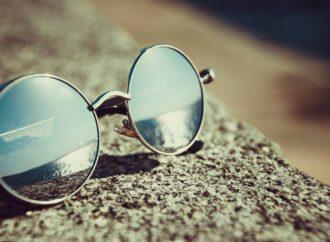 Worauf sollte man achten, wenn man die passende Sonnenbrille für den kommenden Sommer einkauft?