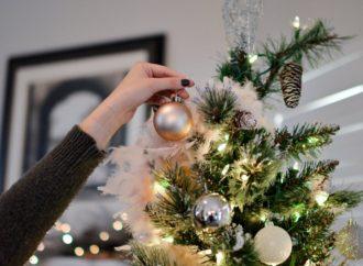 Wie dekoriert man das Haus für Weihnachten?